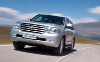 Тест-дуэль: Toyota Land Cruiser 200 и Infiniti QX56